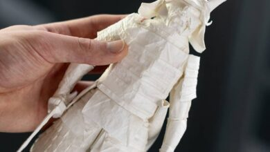 Photo of Folding a paper samurai from a single sheet of paper