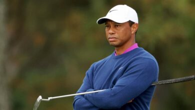 Photo of Tiger Woods 'in good spirits' after follow-up procedures for injuries
