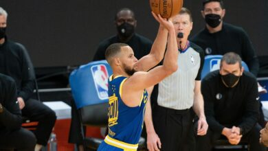 Photo of Stephen Curry Eclipses 300 Triples Yet Again