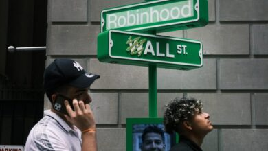 Photo of Global markets rise, but Robinhood's IPO falters