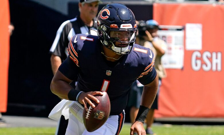 Rookie QB Justin Fields rallies Bears to victory over Dolphins